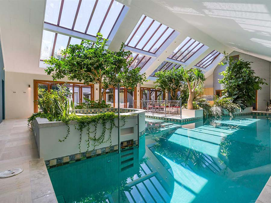 Swimming pool at Bond Estate Luxury Group Accommodation in Christchurch